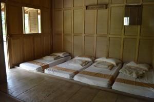 ruangan tidur peserta